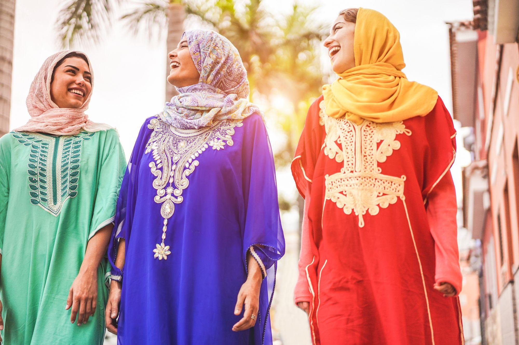 Renkli Fas Kıyafetleri