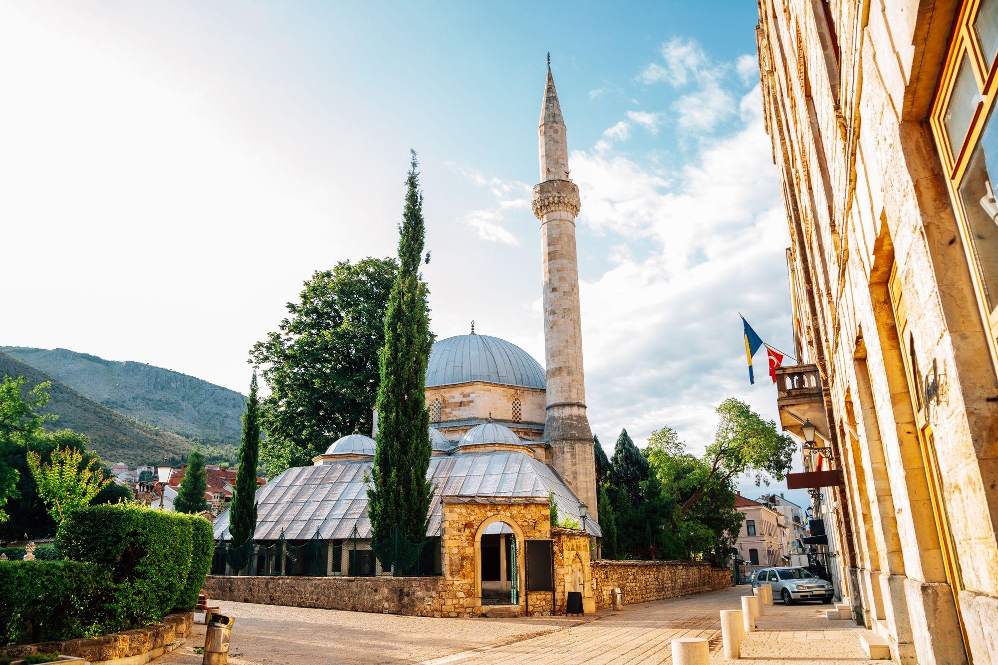 Karadoz Bey Mosque, Mostar