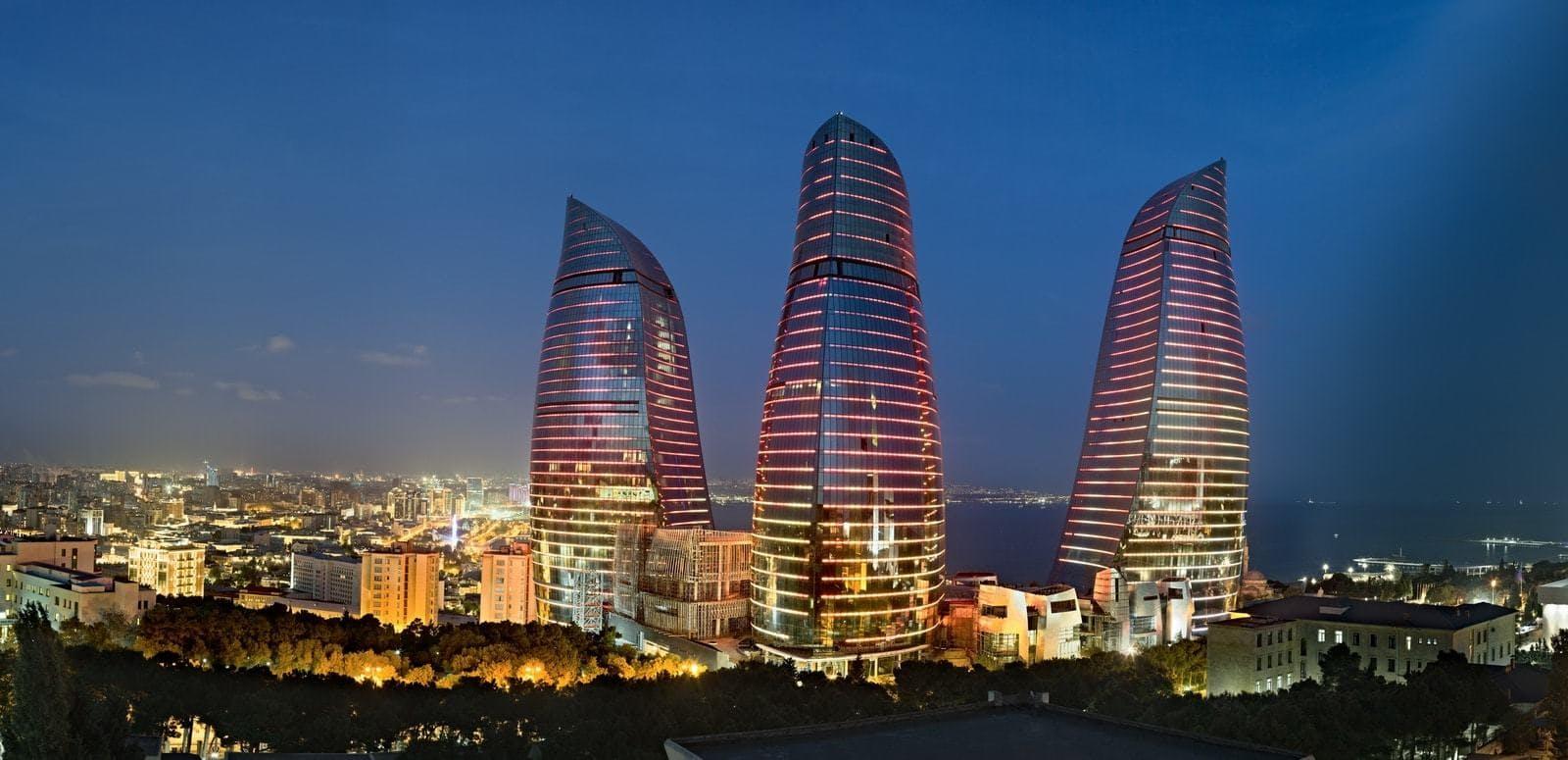 «Пламенные» башни Баку