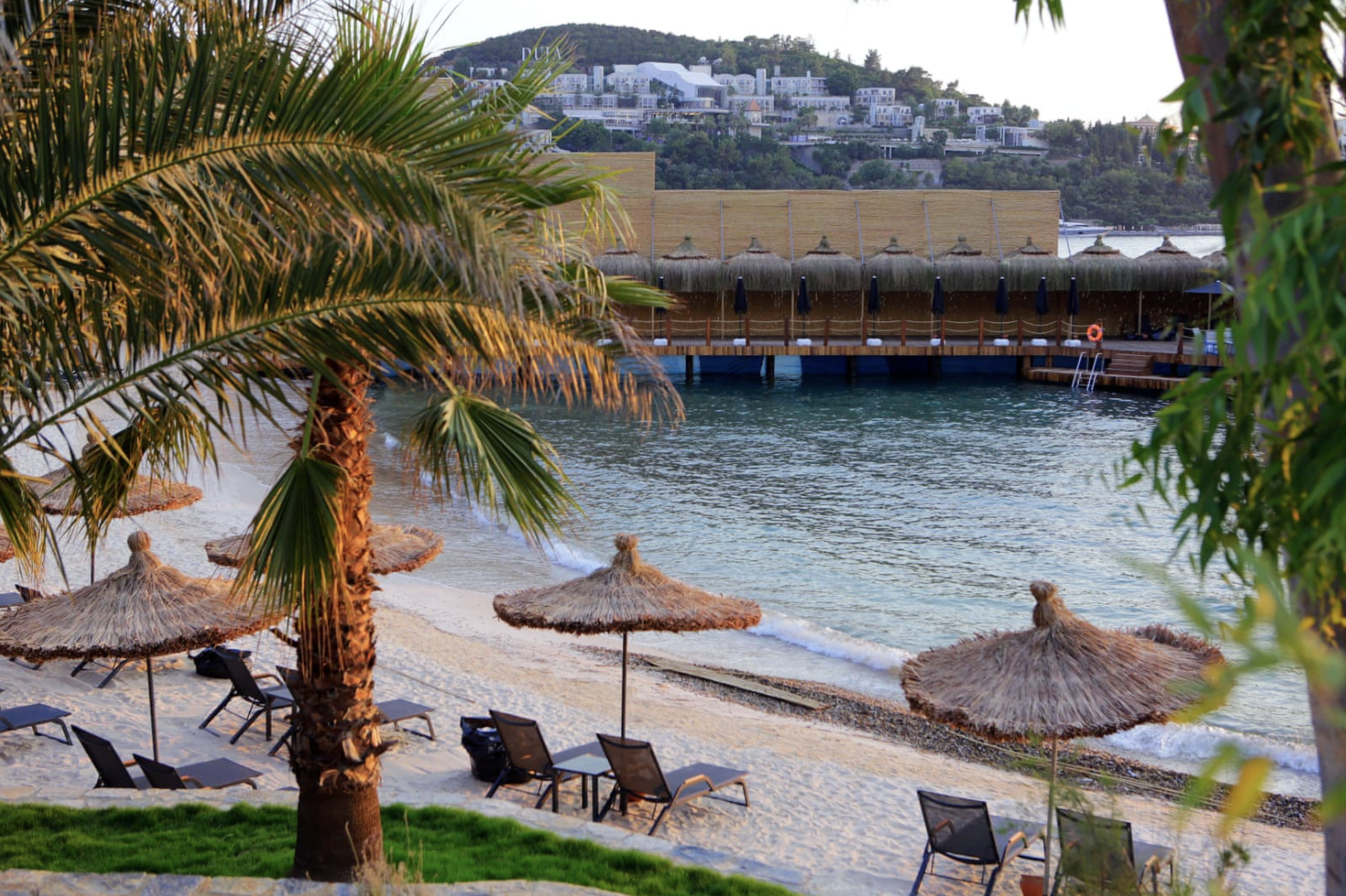Пляж только для женщин в Oba Hotel