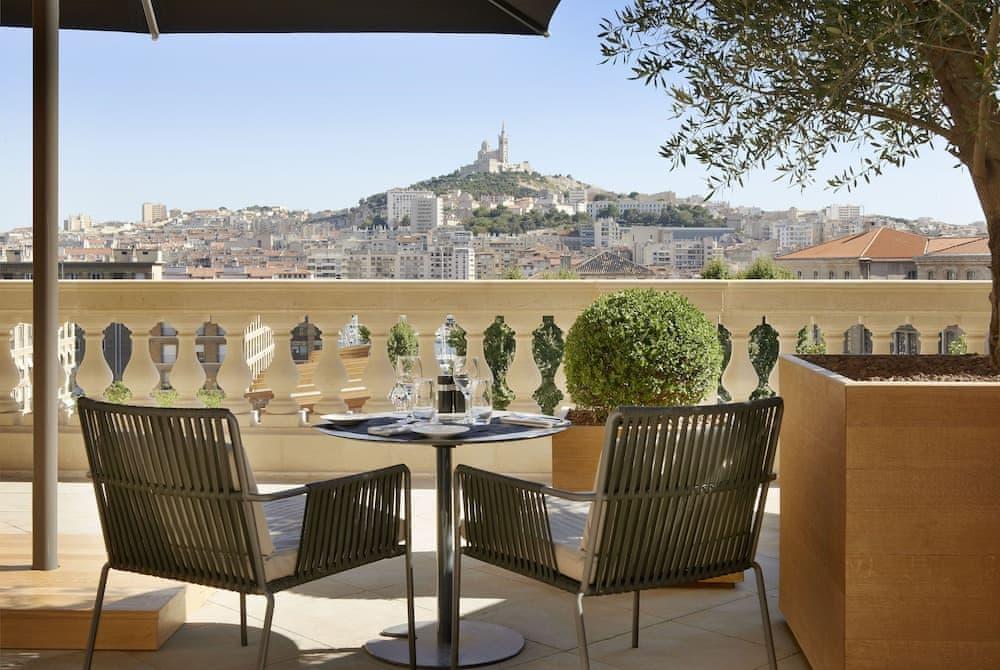 l'Intercontinental Marseille-Hotel Dieu