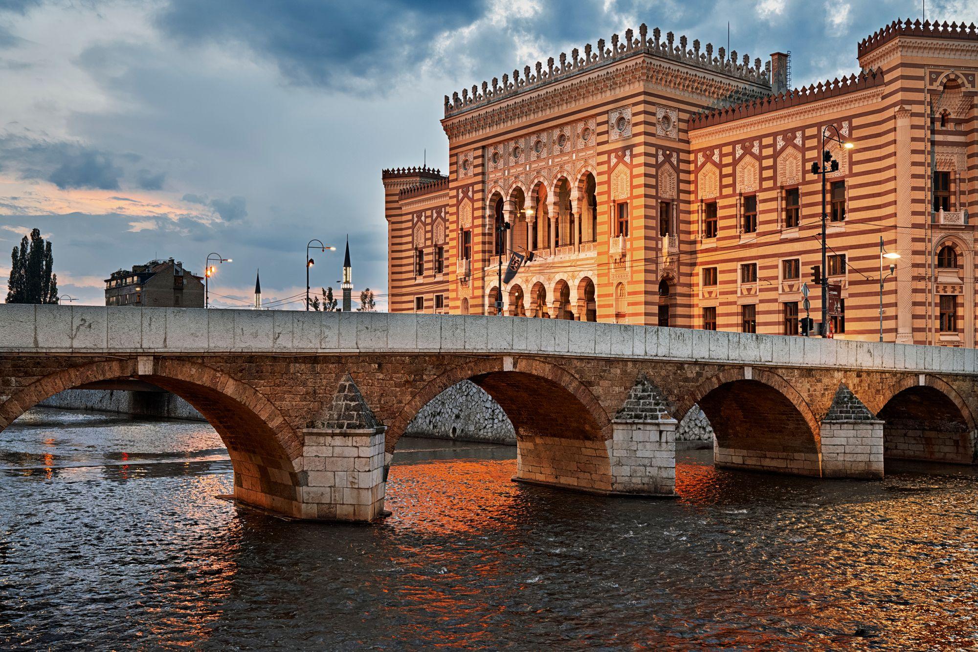 Saraybosna Belediye Binası'nı