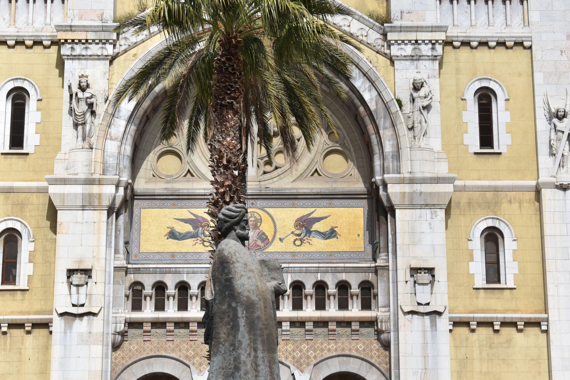 Tunus'ta İbn-i Haldun heykeli